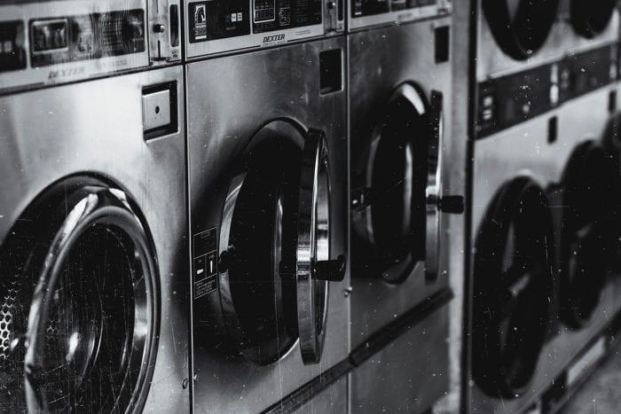 Tips Mencuci Baju Sablon Agar Tidak Luntur dan Rusak