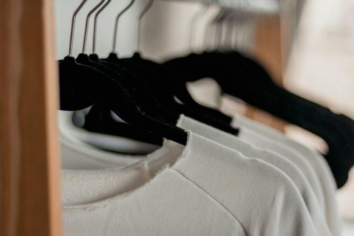 Ini Cara Menghilangkan Noda Tinta yang Sudah Kering di Baju berwarna