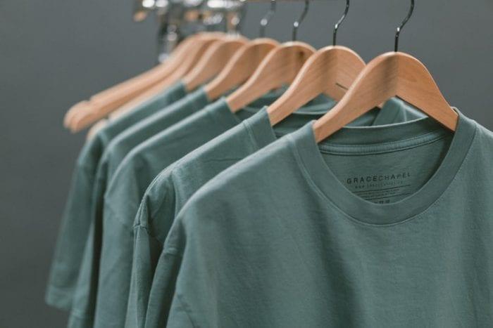 Kenali 5 Jenis Bahan Kaos Sebelum Membelinya