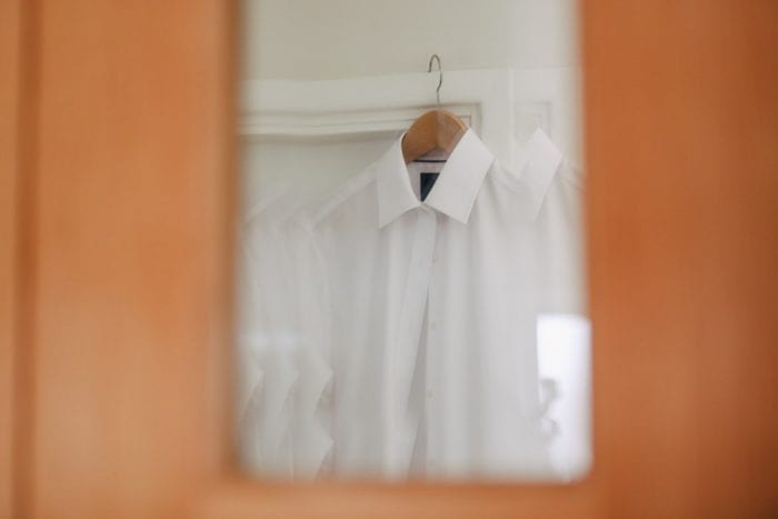 Begini Cara Mencuci Baju Putih Agar Tetap Awet