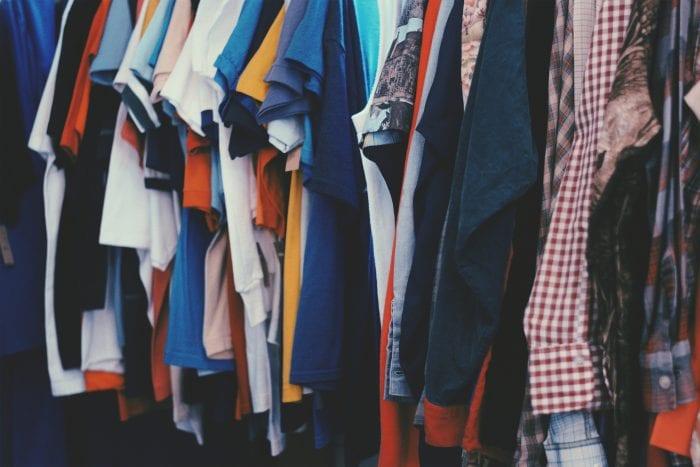 Bahan Baju yang Bagus Untuk Bepergian