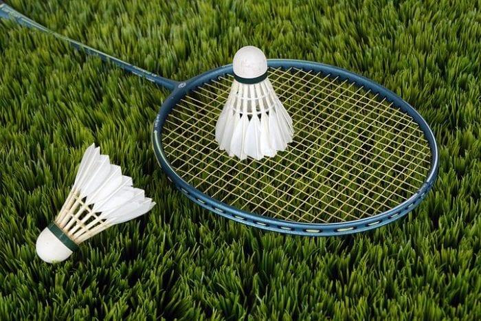 Desain Logo Badminton Keren untuk Jersey Anda