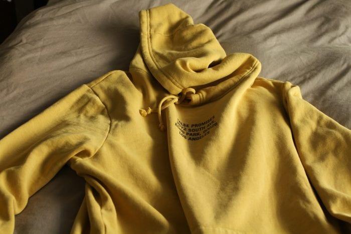Contoh Bahan Fleece pada Pakaian