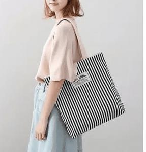 gunakan tas sebagai aksesoris tamabahn ootd kamu