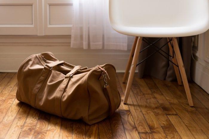 Cara Membersihkan Tas yang Berjamur Mudah dan Ampuh!