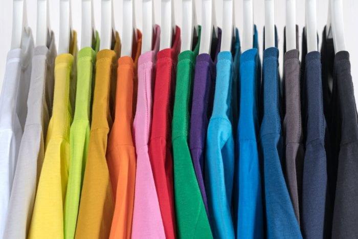 Cara Menghilangkan Luntur di Baju Berwarna