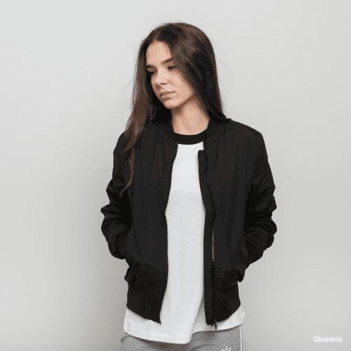 Ketahui 5 Jenis Jaket Wanita